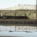 Des reflets qui apaisent par Queen Dot Kong - Meyreuil 13590 Bouches-du-Rhône Provence France
