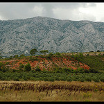 Montagne Sainte-Victoire par  - Rousset 13790 Bouches-du-Rh&ocirc;ne Provence France