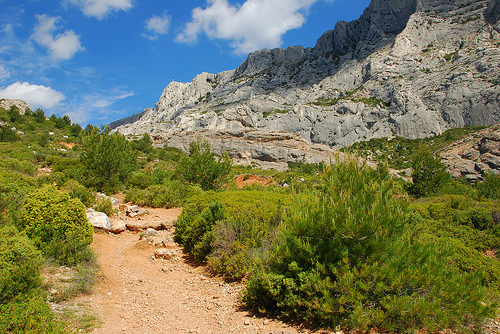 Sainte Victoire mountain, trail by Josiane D.