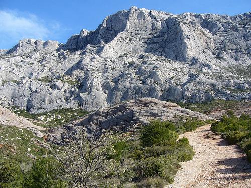 Montagne Sainte-Victoire by voyageur85