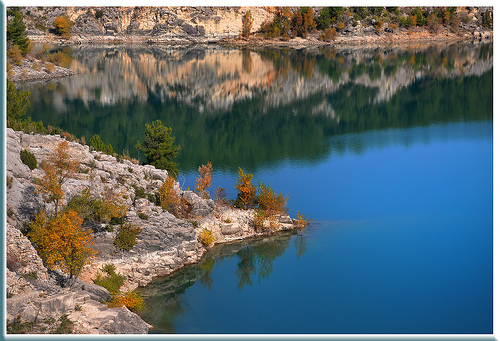 Lac Bimont - Bouches-du-Rhône by Charlottess