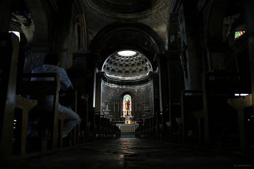 Prière - Collégiale Saint-Martin par . SantiMB .