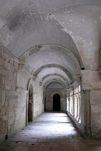Le cloître du Monastere de Saint Paul de Mausole by lepustimidus
