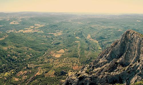 Au sommet de la Montagne Ste-Victoire : vertige assuré par ClemB14