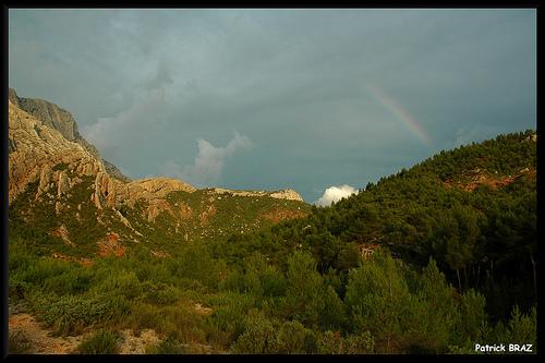 Couleurs orageuse au pied de la montagne Sainte-Victoire par Patchok34