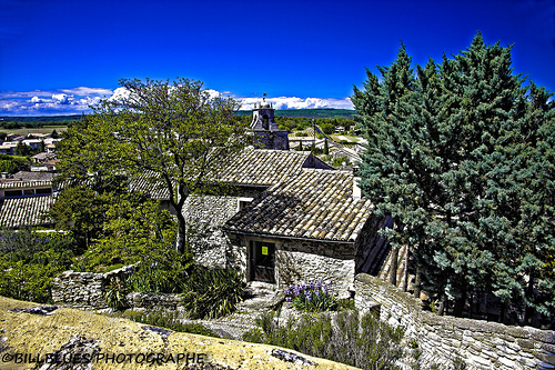 Les toits de Grignan by Billblues