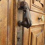 Heurtoir en forme de main par gab113 - Montbrun les Bains 26570 Drôme Provence France