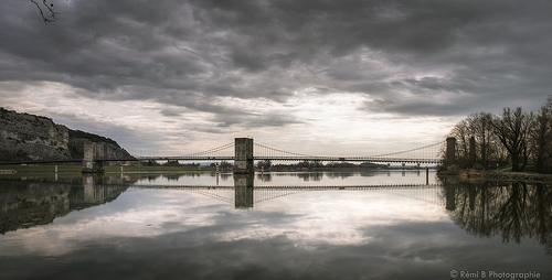 Pont du Robinet à Donzère by Rémi Avignon