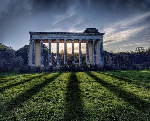 Grand Théâtre de Nîmes by Florian PINFERI