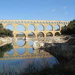 Le Pont du Gard :en reflet sur le gardon par mistinguette18 - Vers-Pont-du-Gard 30210 Gard Provence France