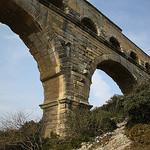 Aqueduc en pierre par Cilions - Remoulins 30210 Gard Provence France