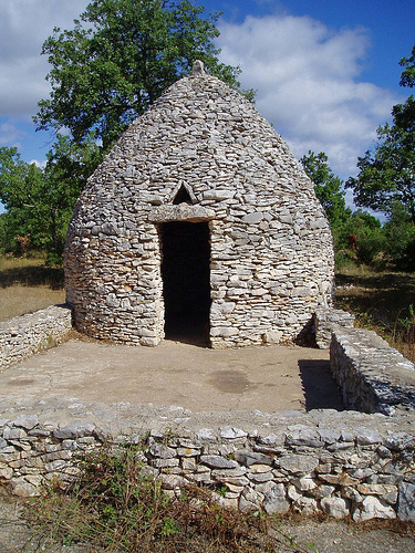 """""""Borie"""" Dry-stone hut  by Sokleine"""