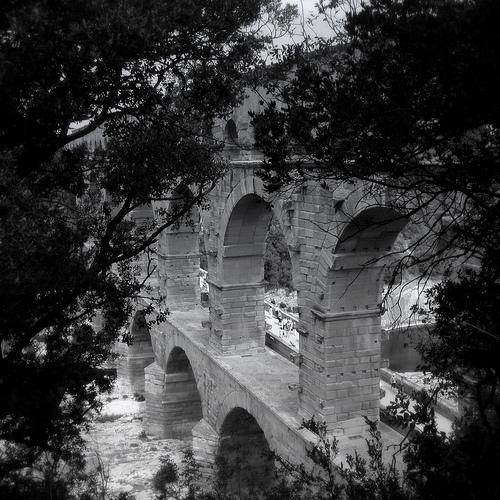 Les arches du Pont du Gard par perseverando