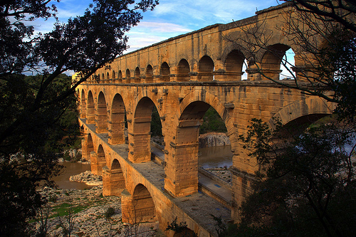 Les arches du Pont du Gard by Alexandre Santerne