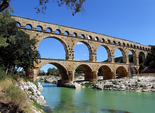Pont du Gard aqueduct by Mattia Camellini