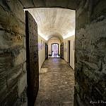 Porte secrète - Abbaye de Villeneuve les Avignon par Rémi Avignon - Villeneuve-lez-Avignon 30400 Gard Provence France