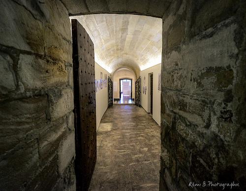 Porte secrète - Abbaye de Villeneuve les Avignon par Rémi Avignon