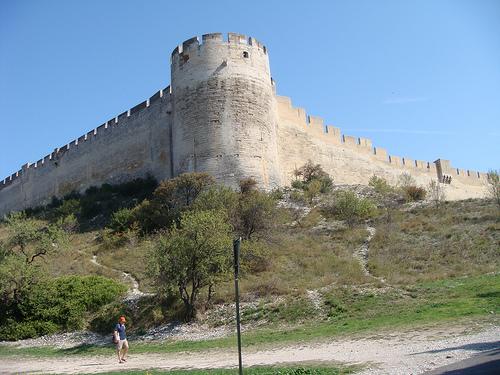 Les remparts de Villeneuve lez Avignon par Elmo Blatch