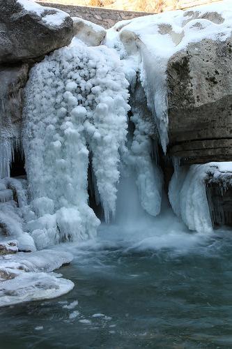 Gorges de la Meouge glacées - Winter in Provence -  par xalub33