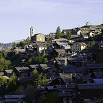 les étages de maisons adossées à la montagne par fabien thibault - Saint-Véran  05350 Hautes-Alpes Provence France