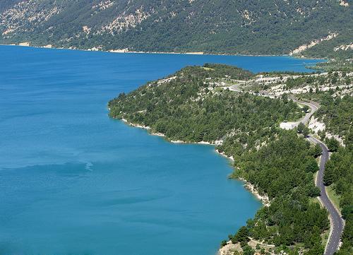 Contraste de couleurs - Lac de Sainte-Croix par mistinguette18