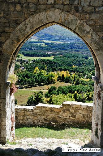 View from Bargeme Castle - Provence par Clockographer