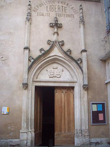 La république sur l'église de Barjols, Var. by Only Tradition