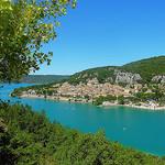 Le village de Bauduen sur le lac de Sainte-Croix. Provence. par nic( o ) - Bauduen 83630 Var Provence France