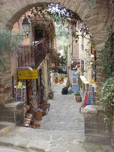 Vieille rue pentue de Bormes les Mimosas par csibon43