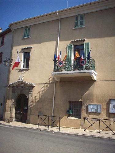 Hôtel de Ville, Carnoules, Var. par Only Tradition