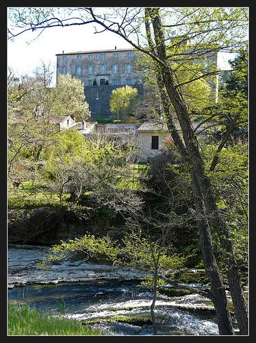 La Bresque et le château d'Entrecasteaux  par myvalleylil1