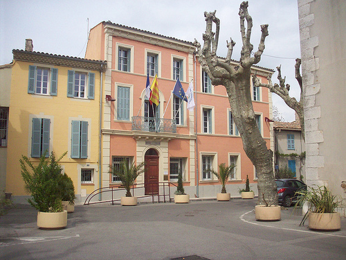 Htel de Ville, Garoult, Var. par Only Tradition