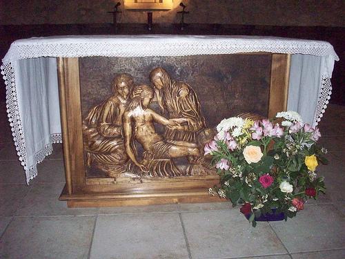 Eglise de Garéoult, Var. L'autel. par Only Tradition