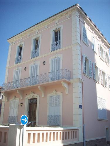 Place de l'Hôtel de Ville, Gonfaron, Var. par Only Tradition