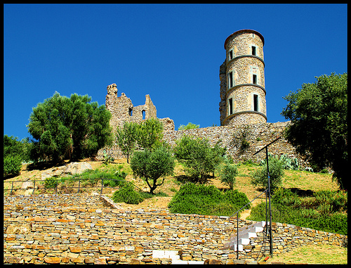 Grimaud Castle Ruins par Morpheus © Schaagen