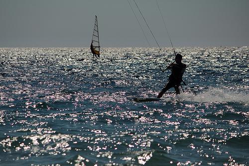 Kite Surf et Wind surf dans le Golfe de Giens by Babaou