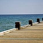 Nouvel horizon... un pont vers... par  - La Croix Valmer 83420 Var Provence France