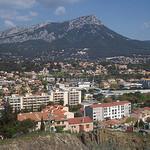 Vue sur le mont Coudon (701 mètres) depuis le Rocher. La Garde, Var. par Only Tradition - La Garde 83130 Var Provence France