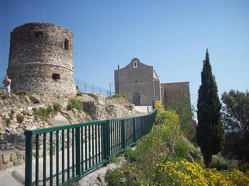 Ancien ch teau et chapelle du xi me si cle la garde var we love provence - La garde var office du tourisme ...
