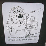 Toutou heureux. Le Rocher, La Garde, Var. par Only Tradition - La Garde 83130 Var Provence France