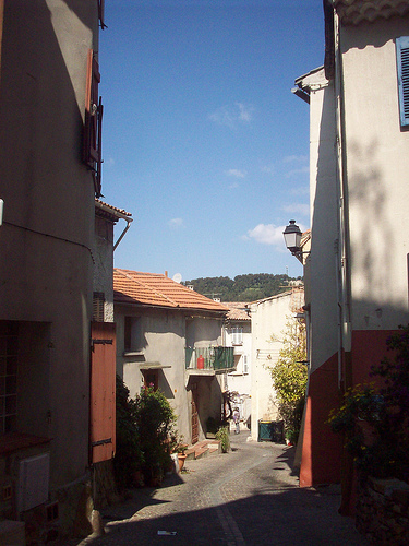 Vieille Garde. Le Rocher, La Garde, Var. by Only Tradition