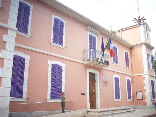 Hôtel de Ville, Le Cannet des Maures, Var. par Only Tradition