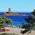 L'île d'Or, le paradis des surfeurs et plongeurs by Djeff Costello - Le Dramont 83530 Var Provence France