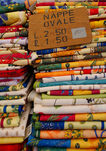 Sunshine on your table - tablecloth at the market by Elisabeth85 {Way too busy}