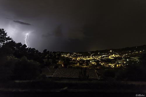 Derniers éclairs d'orage sur Ollioules par Par Jl Balesi