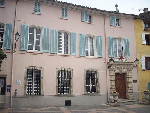 Hôtel de Ville, Pignans, Var. par Only Tradition