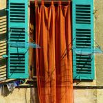 Couleurs affichés à la fenêtre by Morpheus © Schaagen - Plan de la Tour 83120 Var Provence France
