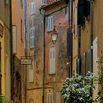 Rue du Centre par Morpheus © Schaagen - Ramatuelle 83350 Var Provence France
