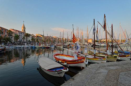 Vieux-port de Sanary by Vaxjo