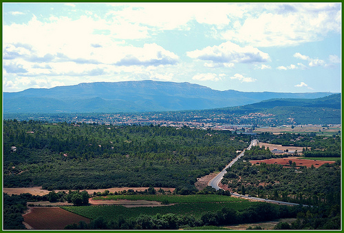 View on Saint-Maximin : la Sainte baume par M.Andries